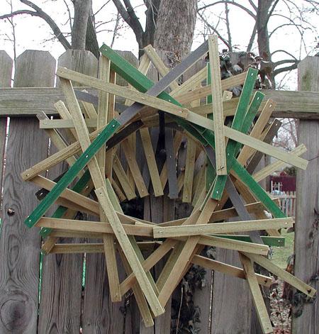 circular-scissor-jack-on-fence-1-07-08-processed-jpg.jpg